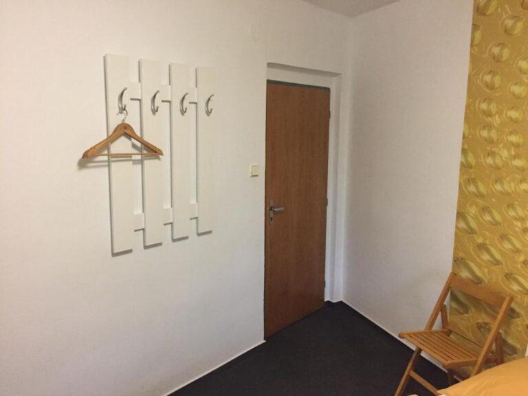 115890544
